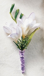 Free Spirit Boutonniere in Chicago at Crystal Flower Shop