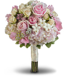 Pink Rose Splendor Bouquet in Chicago at Crystal Flower Shop